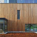 Fachada de madeira oferece vantagens
